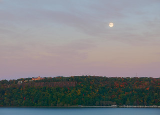 Moon over Palisades, Hudson river, early morning | by Steve Guttman NYC