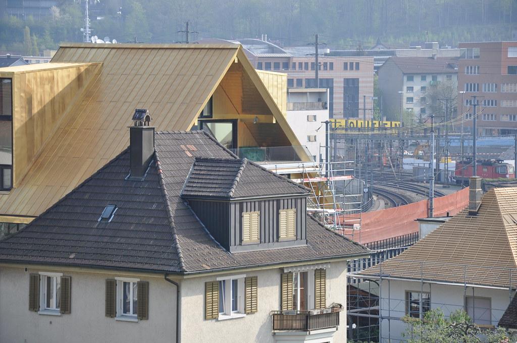 goldenes dach von olten moderne architektur neben den glei flickr. Black Bedroom Furniture Sets. Home Design Ideas