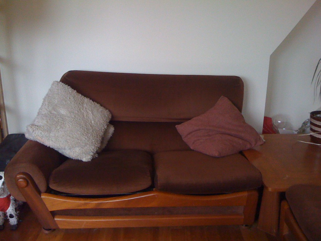 sofa dating Why you should not accept sofa dates there's a new trend in dating ladies, and i like to call it the sofa date you heard me right, the sofa date - and you've most likely been on one.
