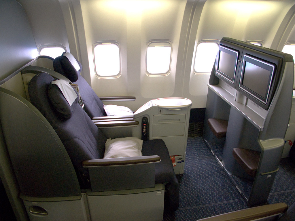 United business class sleeper seats b767 united 39 s new for Interieur 777