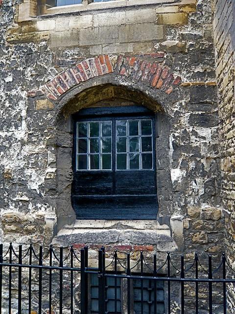 Peterhouse Cambridge Kitchens Window | By Londonconstant Peterhouse Cambridge  Kitchens Window | By Londonconstant