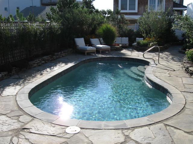Sun coast 7b viking pools kidney design hutchison fi for Pool design sunshine coast
