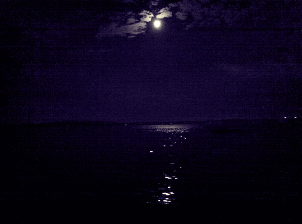 Happy Moon, y'all!