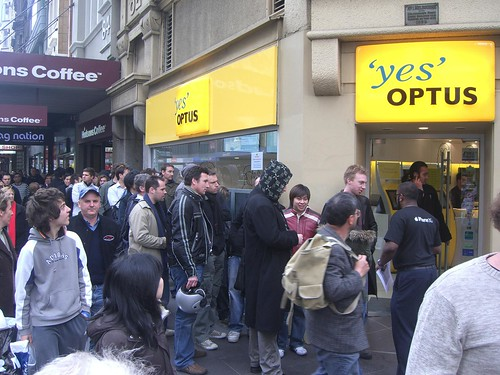 Optus Melbourne - Apple iPhone Queue | by avlxyz