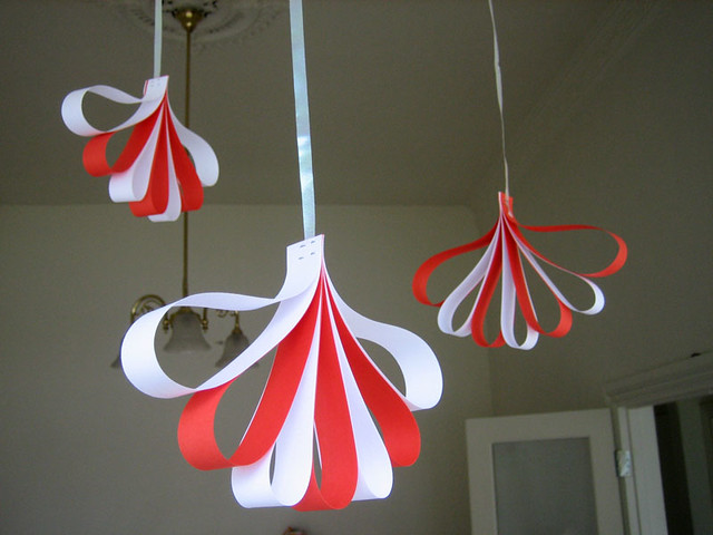 Hanging decorations easy and fast paper decorations for ch flickr hanging decorations by feebeefee hanging decorations by feebeefee solutioingenieria Choice Image