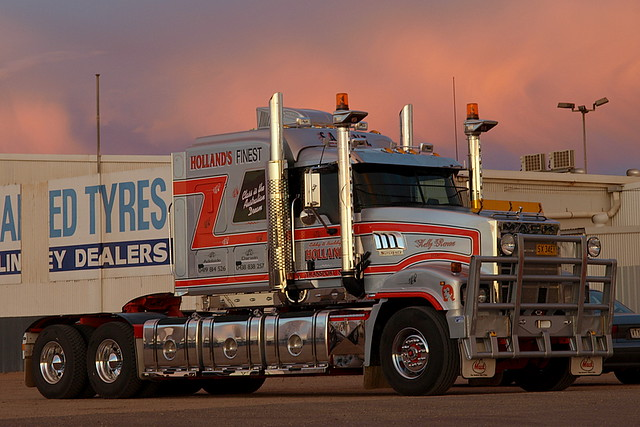 Eddy Holland S New Mack Superliner Lt Truckaus Flickr