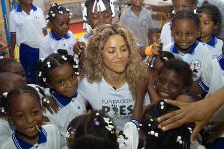 Shakira with Foundation students in Quibdo | by Barefoot Foundation