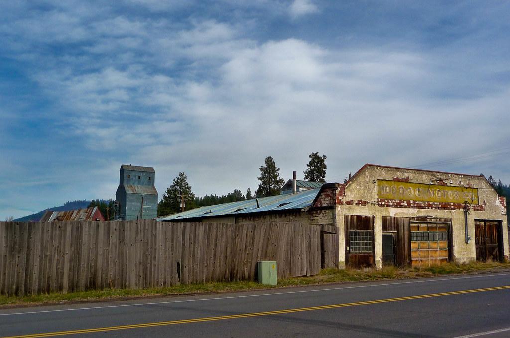 A And R Motors >> Modoc Motors 2 - Chiloquin, Oregon | Downtown Chiloquin, Ore… | Flickr