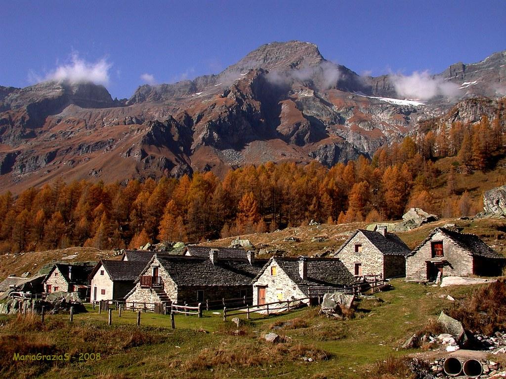 Autunno all 39 alpe veglia gruppo di baite all 39 alpe veglia for Disegni di baite