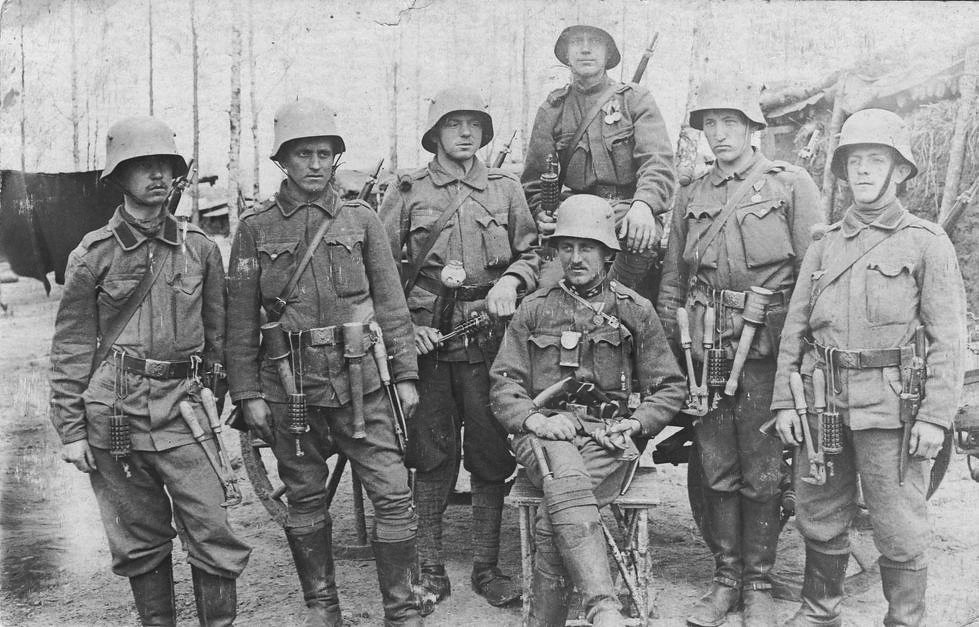 Wwi Austro Hungarian Stormtroopers Armed To The Teeth