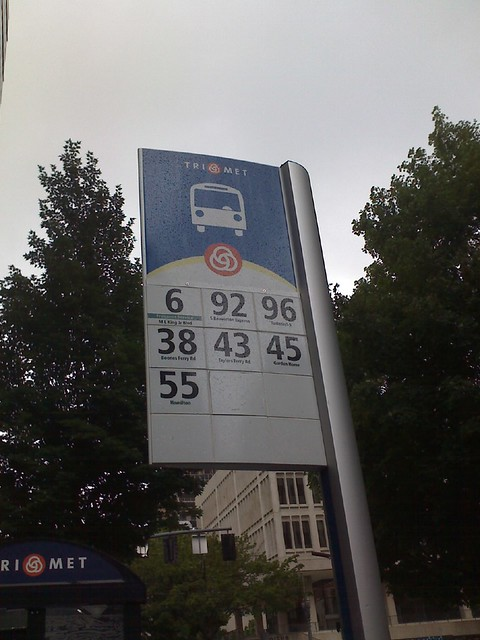 Trimet Amp The Bus Stop Sign Don T Agree Trimet Thinks The