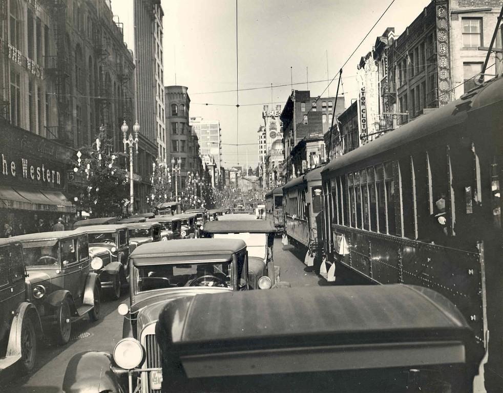 Look North On Broadway At 3rd Street Dec 1930 Broadway