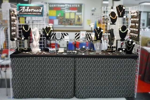 new craft ideas for craft shows 8 foot indoor display with limited space i added grid 7839