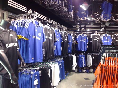 Best Shopping in Chelsea, Manhattan, NY - Jwong Boutique, Story, Prive Designer Sales, Chelsea Market, Muleh, Gilt City Warehouse Sale, Beyond 7, Ritz Thrift Shop - Ritz Furs, Joie, Artists & Fleas.