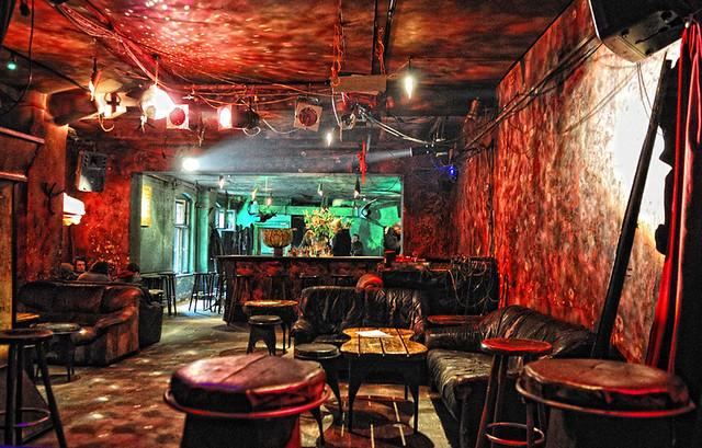 eschschloraque cocktail bar berlin the bar 39 s name begs to flickr. Black Bedroom Furniture Sets. Home Design Ideas
