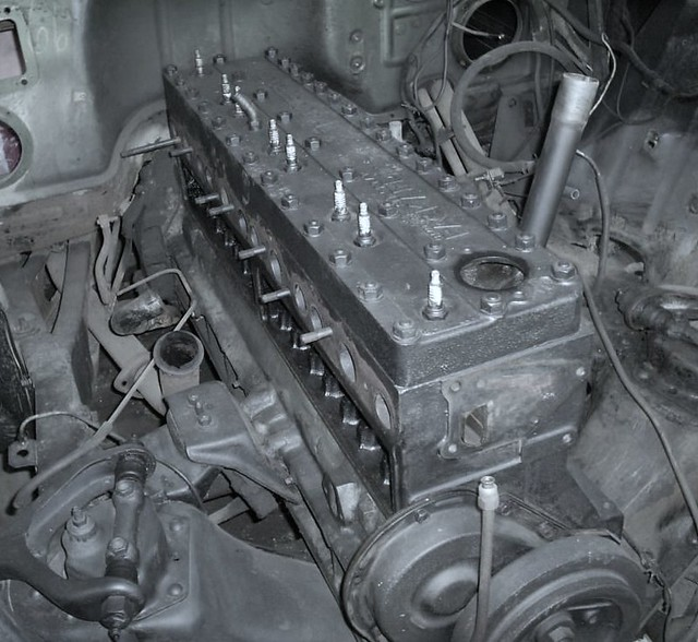 Packard Thunderbolt 288 A Simple B W Of The Engine