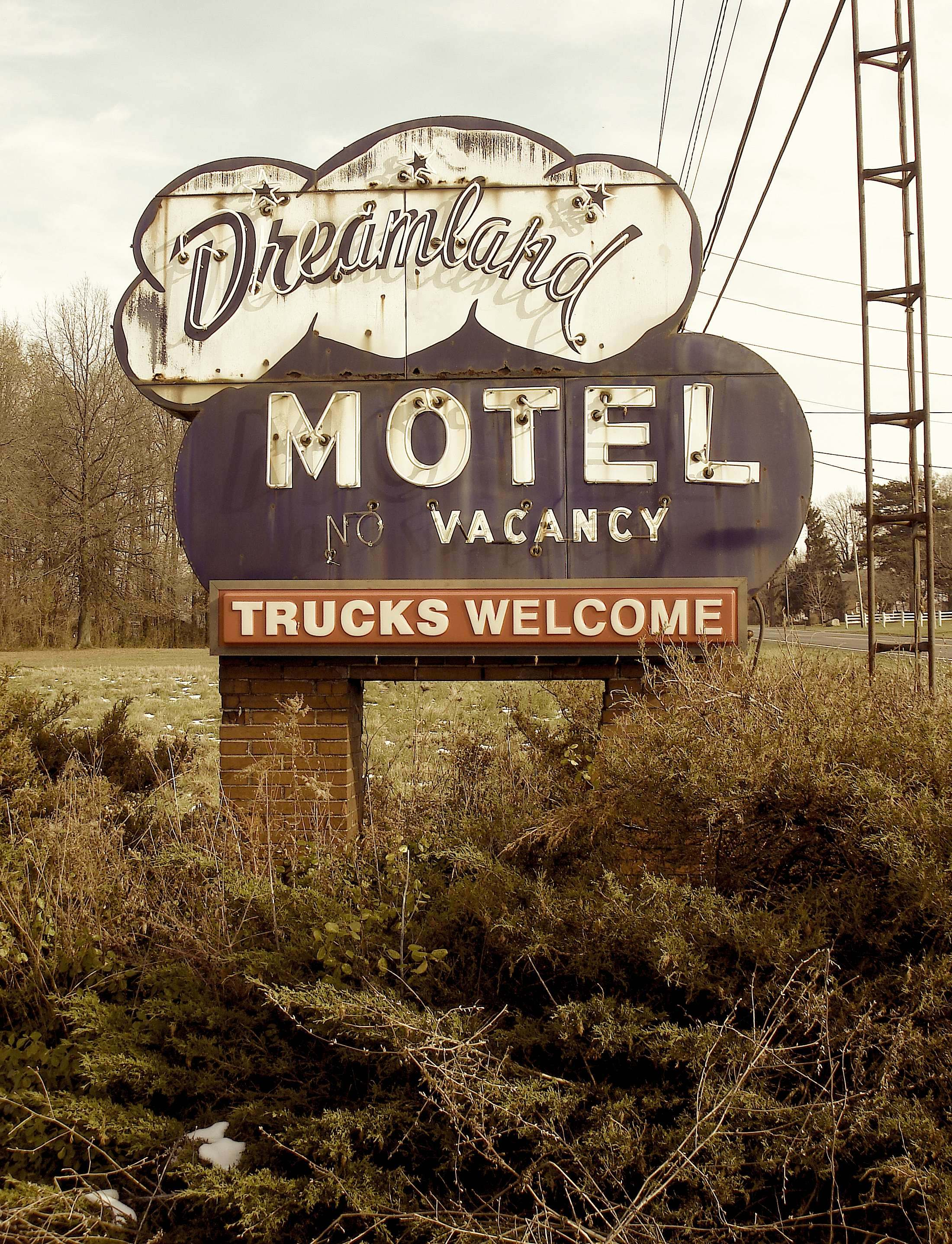 Dreamland Motel - Norwalk, Ohio U.S.A. - November 27, 2008