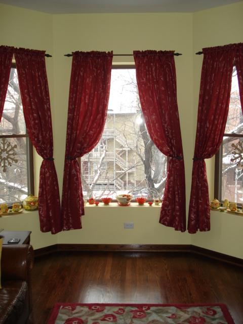 White Christmas Living Room Ornaments