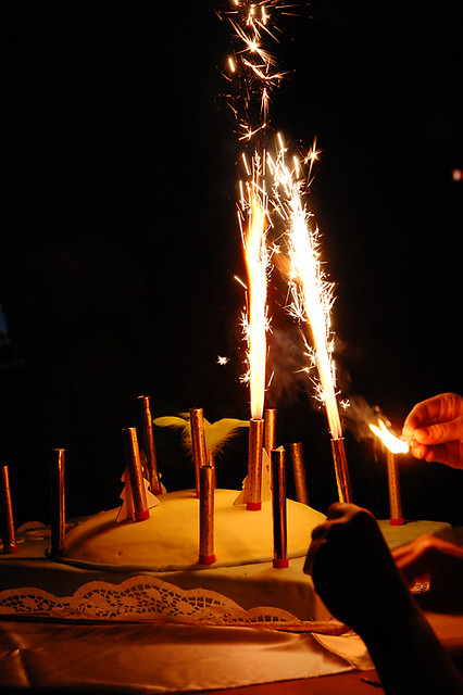 Birthday cake with sparkling candles This birthday cake wa Flickr