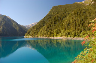 Long lake, Jiuzhaigou | by stephenarcher