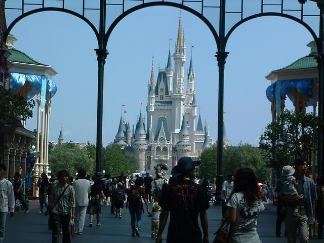 Cinderella S Castle Tokyo Disneyland Cinderella Castle T Flickr