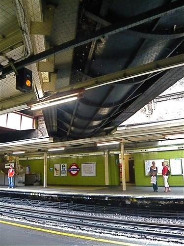 P1060526 Jpg Westbourne River Crossing Sloane Square Tube