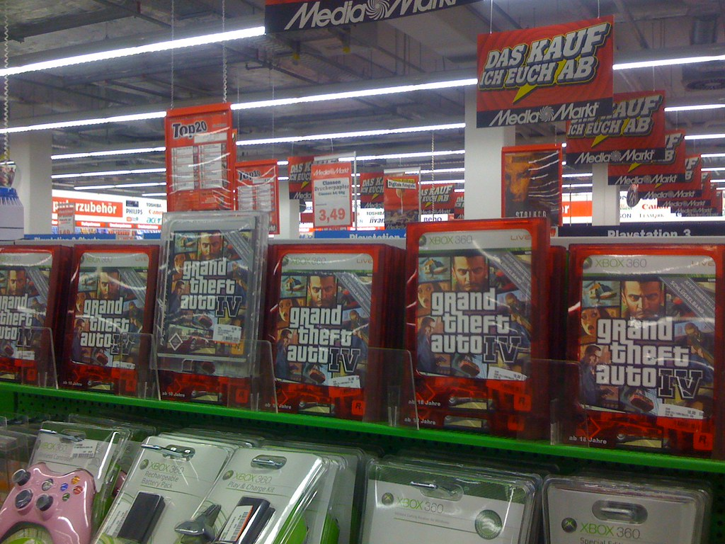grand theft auto gta iv bei mediamarkt gillyberlin flickr. Black Bedroom Furniture Sets. Home Design Ideas