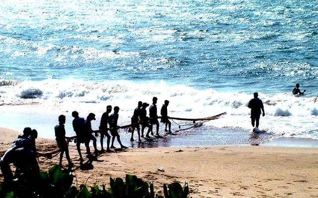 Ma dela a fishing net beruwala sri lanka chinthaka for Sri lanka fishing