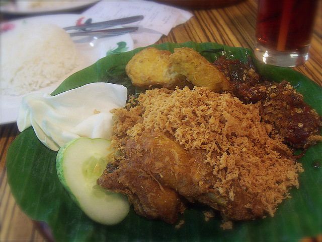 nasi ayam penyet ayam penyet ria flickr photo sharing