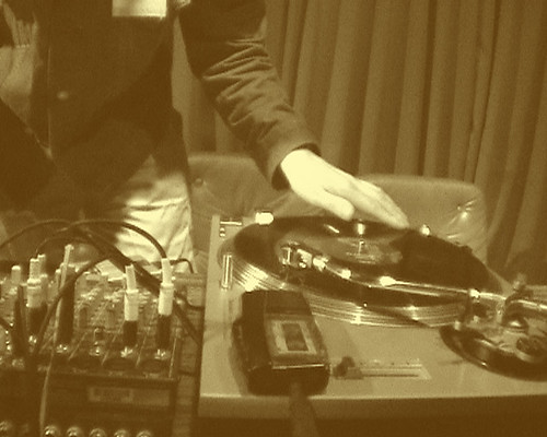Stefan Beck scratching the turntables at Uplink Factory Tokyo