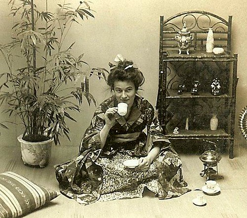 A True Geisha Shows Us The Authentic Ways Of Old Japan -2632