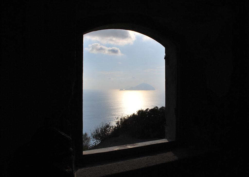 Aprir una finestra sul cielo e punter il dito pensando - Una finestra sul cielo ...