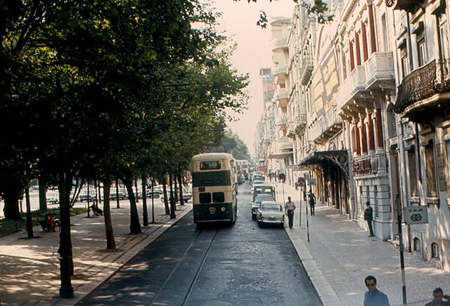 Lisbon - Avenida da Liberdade | Service road on Lisbon's ...