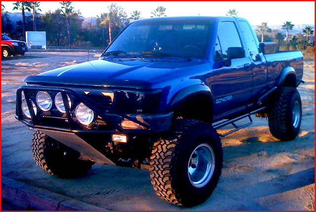 big blue Toyota Pick Up 89-95 with fender flares | The ...