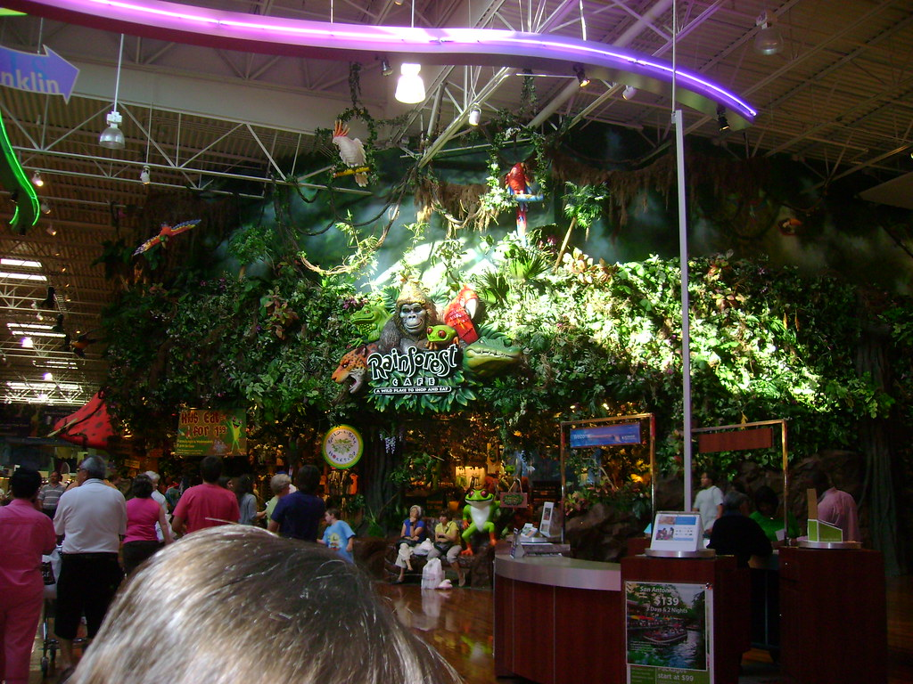 Grapevine Mills Rainforest Cafe