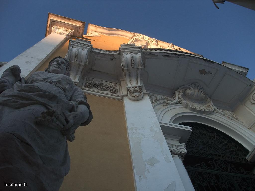 La décoration, les détails, les statues, la couleur...