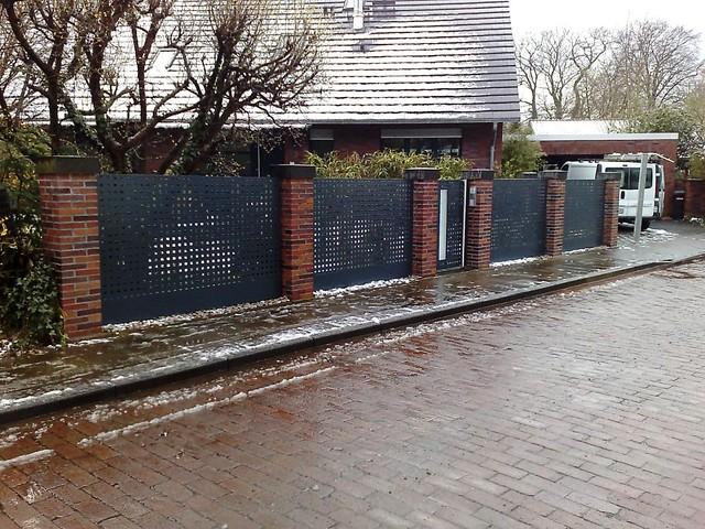 Zaun Ii Zaun Aus Lochblech Pulverbeschichtet Metallbau Arndt