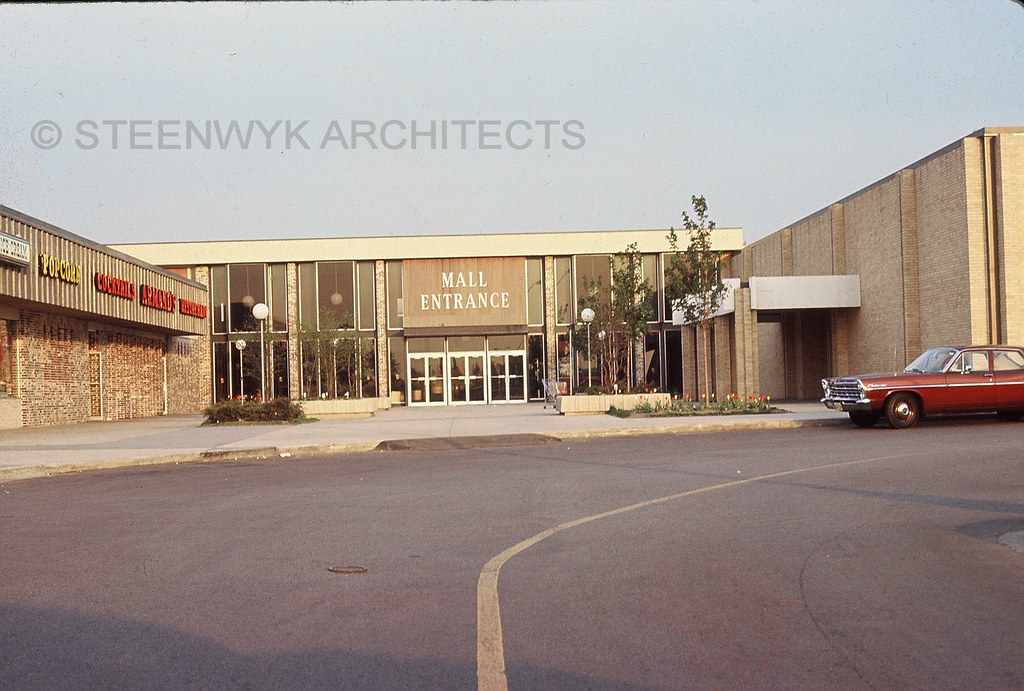 Dixie Square Mall - Harvey, Illinois | Main entrance near ...