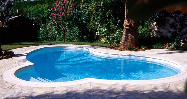Piscine celine 08 piscines waterair mod le piscine for Piscine waterair celine