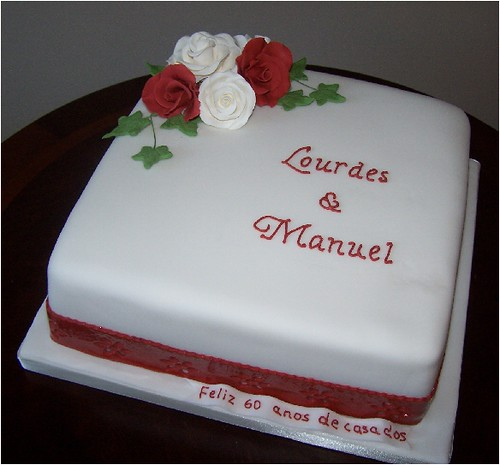Cake Decorating Ideas For Ruby Wedding : Ruby Wedding Anniversary Cake Very traditional cake with ...