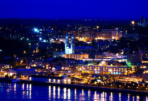 Chicoutimi la nuit flickr photo sharing for Photos de photos