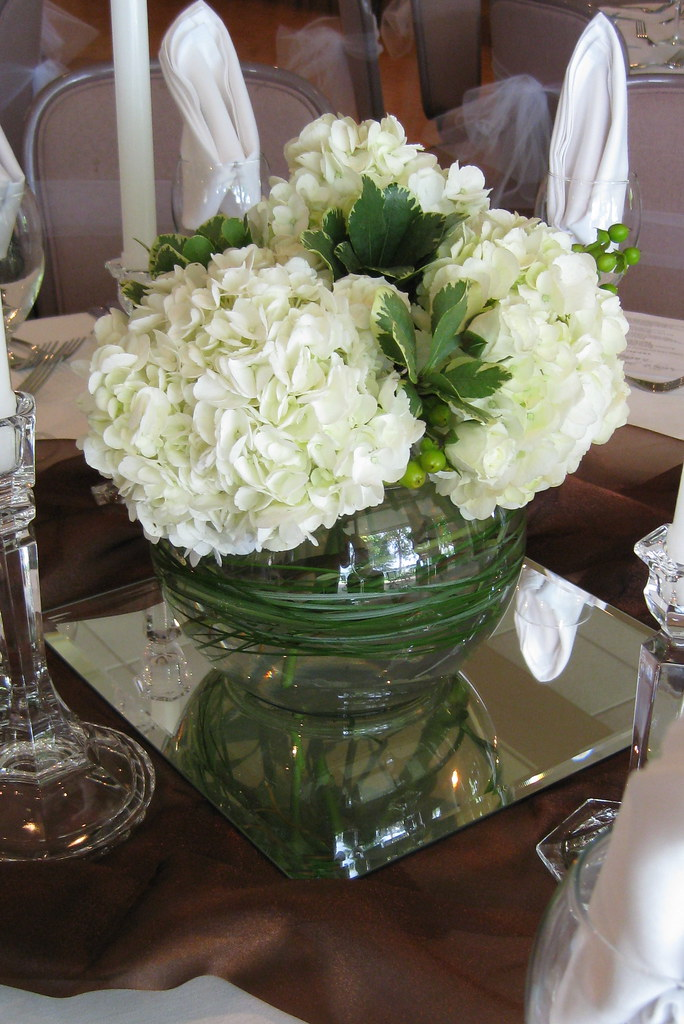 Centerpiece green hydrangea white berries anne anderson
