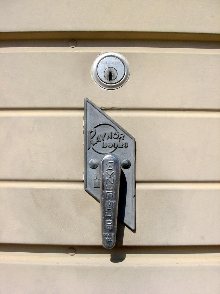 Ne Omaha Raynor Door Handle Raynor Garage Door Handle