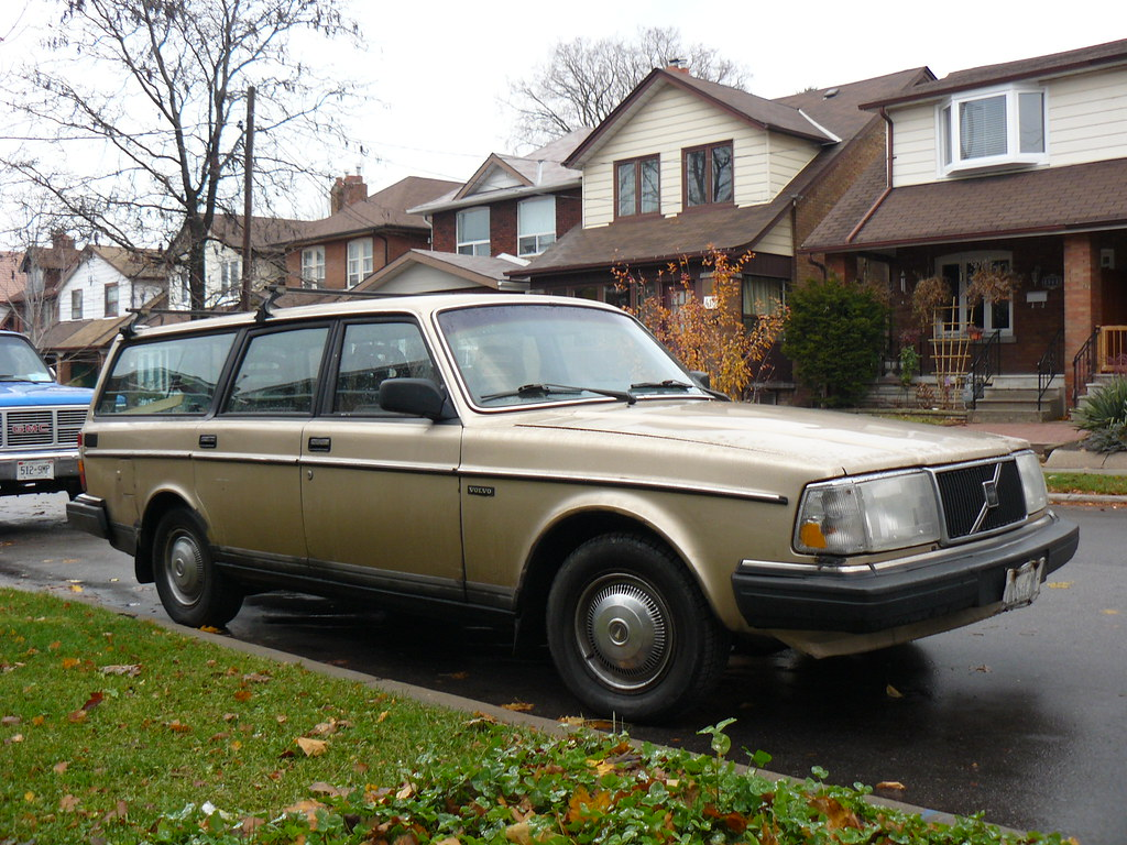 Volvo 240 Dl The Wheel Covers Don T Look Like Original