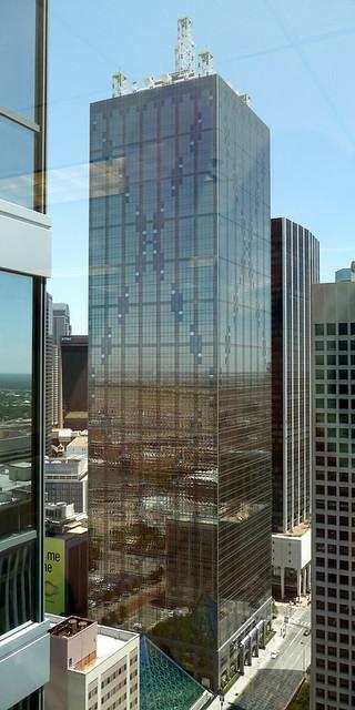 Renaissance Tower Dallas Tx 56 Story Building 1201