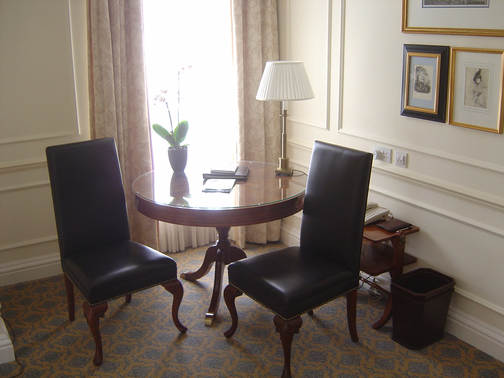 Four Seasons Room Service Server Salary