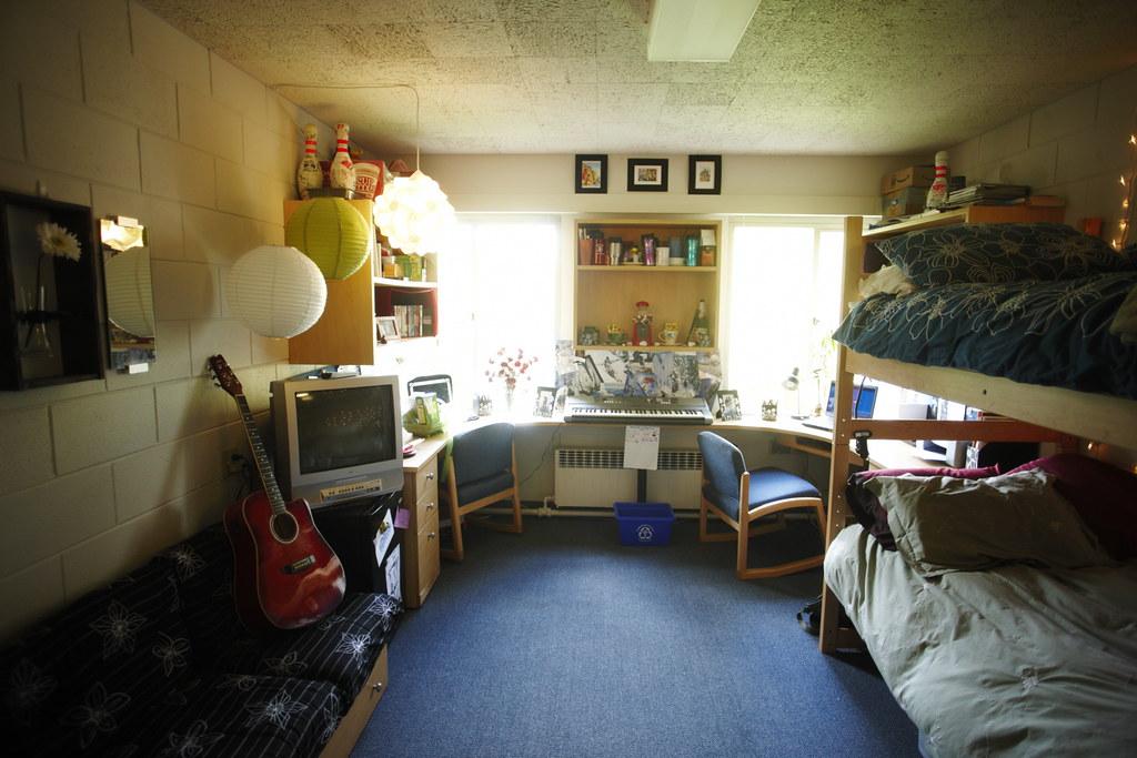 Dorm Room Com