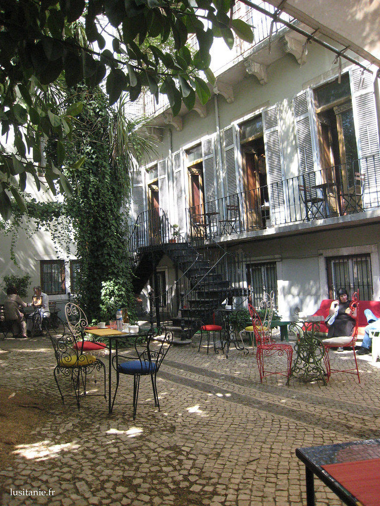 terrasse de bar lisbonne le portugal en fran ais. Black Bedroom Furniture Sets. Home Design Ideas