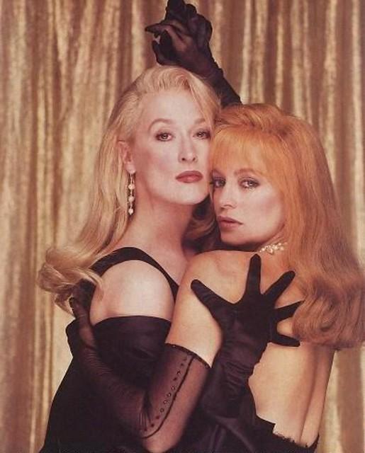 Meryl Streep  Goldie Hawn In Death Becomes Her 1992 -2462