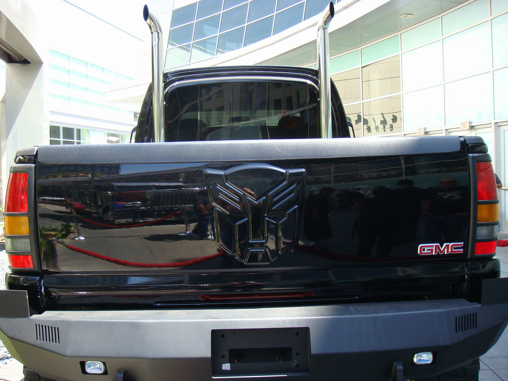 Transformers movie Ironhide Autobot - 2007 GMC Topkick pic ...